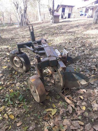 Plug pentru tractor de vanzare
