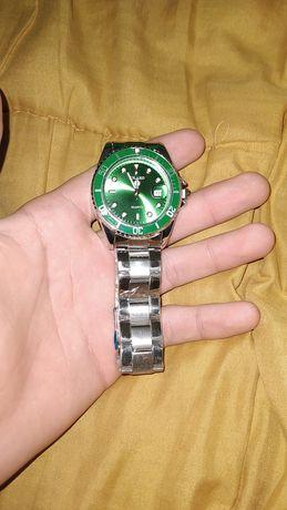 Продам кварцевые часы