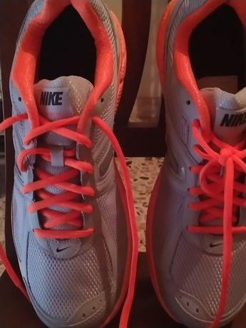 Nike running mărimea 45 culoare gri