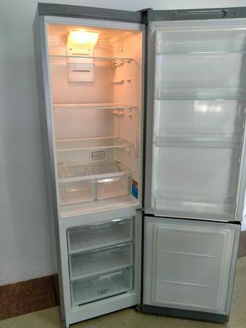 Холодильник Индесит сатылады срочно
