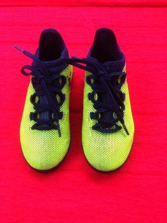 Бутсы Adidas (ОРИГИНАЛ) 30 размер, по стельке 18 см.