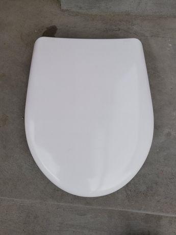 Капак със седалка за тоалетна Roca