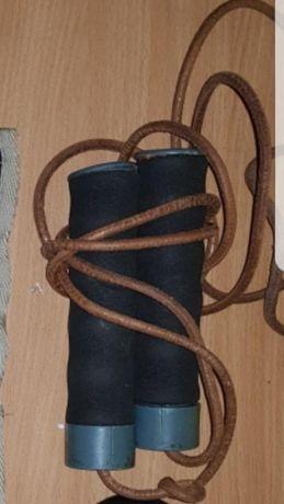Въже за скачане с тежести