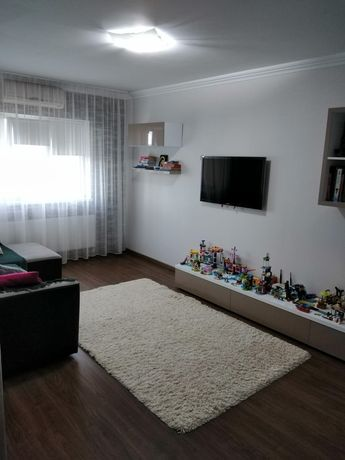 Vând apartament Bradet