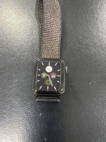 Продам часы оригинал  Apple Watch Series 4 Black