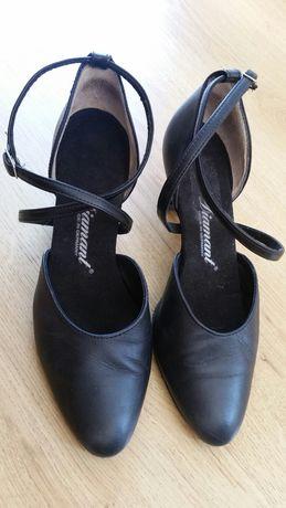Танцувални обувки