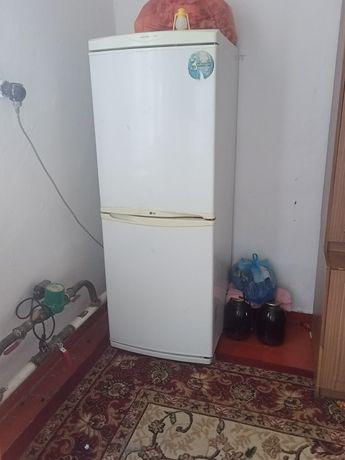 Холодильник сатылады.