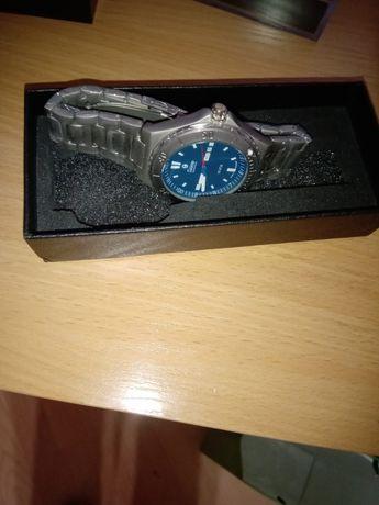 Оригинален чисто нов кварцов немски часовник тутима