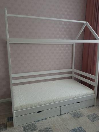 Продам кровать домик Россия!