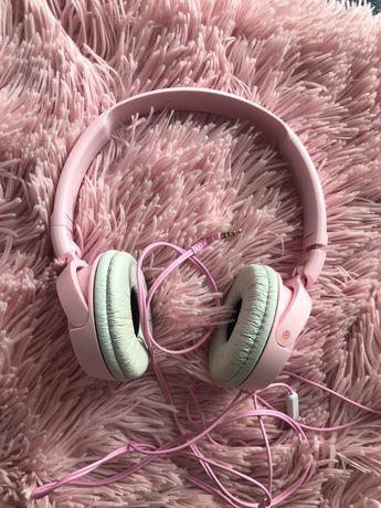 Розови слушалки Sony