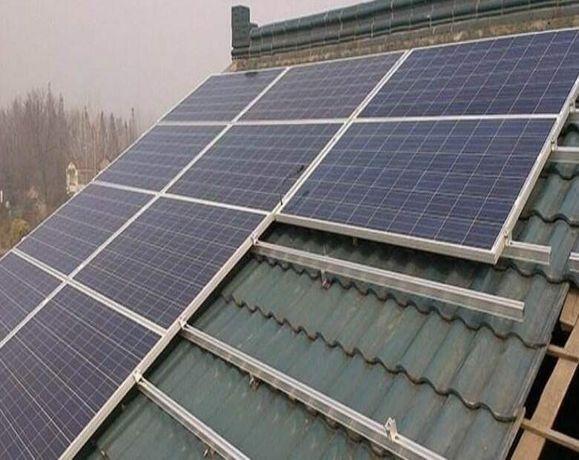 Kit  Curent Electric  Panou Solar de 300W + Regulator Ofer Montaj 20