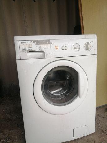 Продам стиральную машину Zanussi 6KG