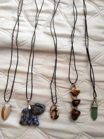 Колиета с естествени камъни