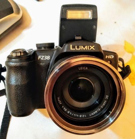 Aparat foto DSLR Panasonic Lumix FZ38