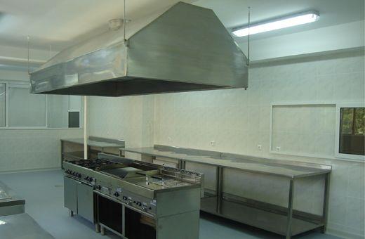 Mobilier din inox pentru bucătari profesionale