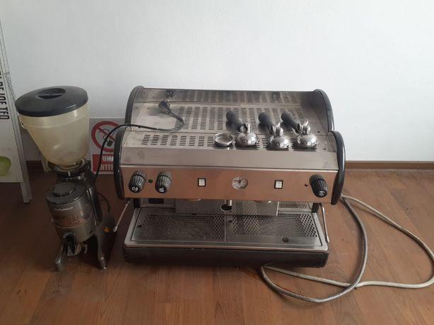 Espressor profesional de cafea Futurmat plus rasnita cu contorizare