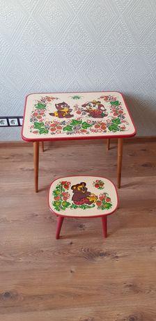 Детский или декоративный столик со стульчиком