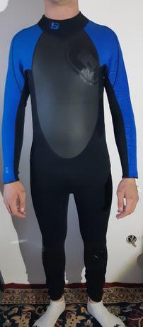 Costum. De  surf