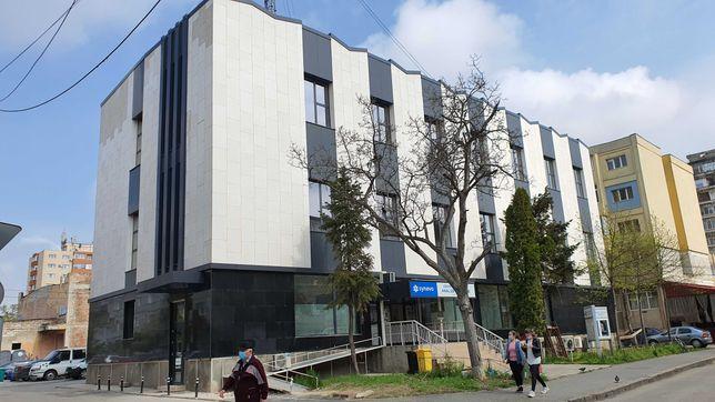 Birouri, clinica, hotel zona Iulius, langa Policlinica Circumvalatiuni