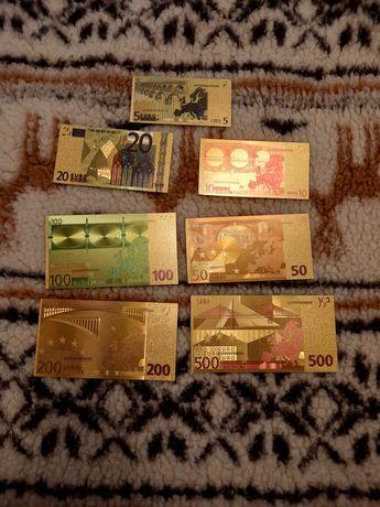 Vand bancnote placate cu aur
