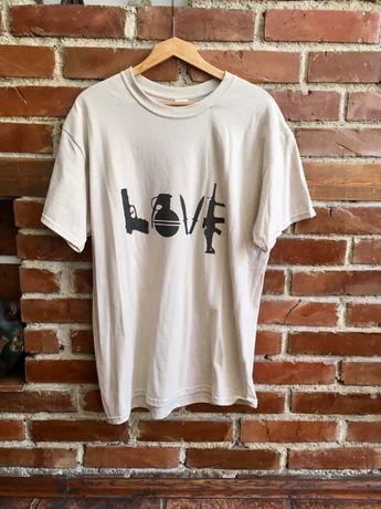 Тениска с творба на артиста Banksy. Нова