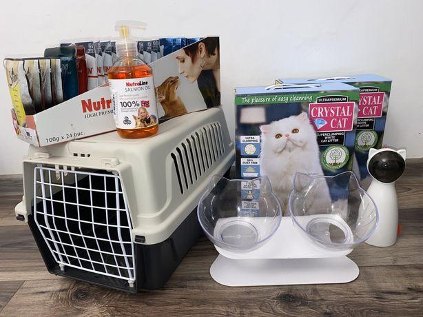 Vând accesorii și mâncare pentru pisici
