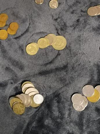 монети от над 47 държави