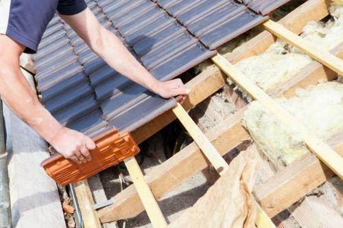 Acoperișuri dulgheri mansardari Reparatii acoperisuri