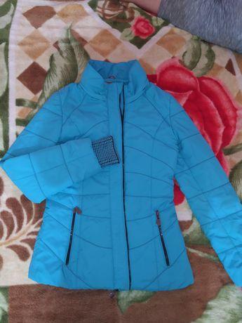 Продам куртки демисезонные,зимняя