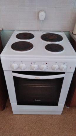 Электрическая плита продам