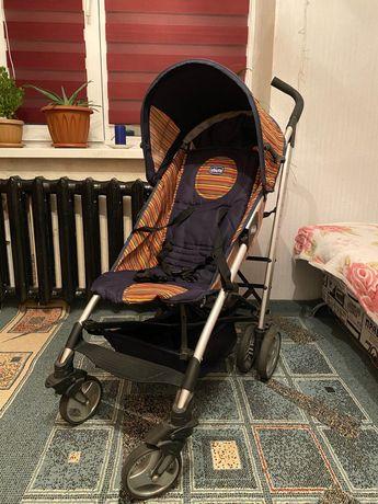 Продам детскую прогулочную коляску chicco