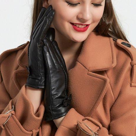 Продаются женские перчатки