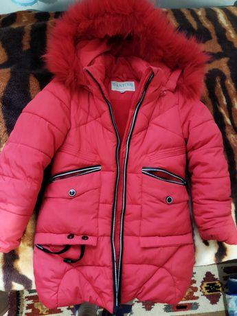 Продаю зимнюю куртку на 5-6лет