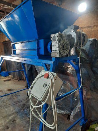 Perforator Pet capacitate mare 3000 KG ora