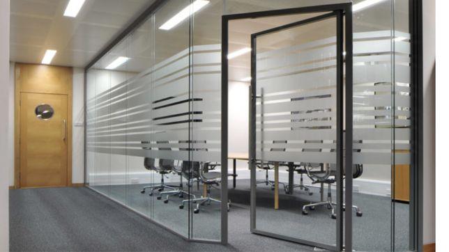 Офисные и цельно стеклянные перегородки, алюминиевые витражи