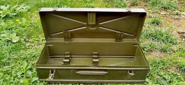 Cutie militara din tabla