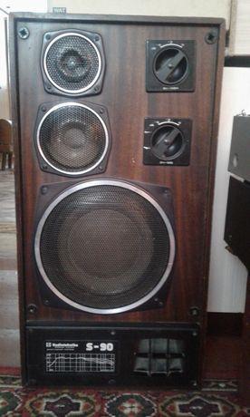 Продам колонки радиотехника S90