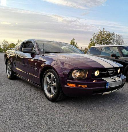 Кола под наем за абитуриентски бал или сватба - Ford Mustang