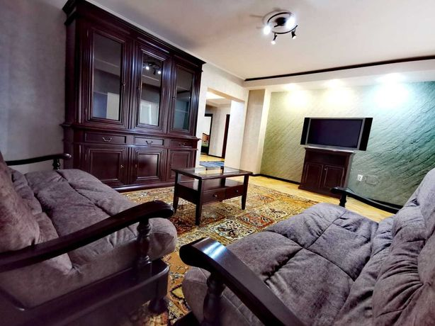 PROPRIETAR, apartament 4 camere , zona Targu Cucu