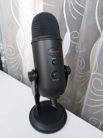 Игровой микрофон Blue Yeti (black) + настольный держатель