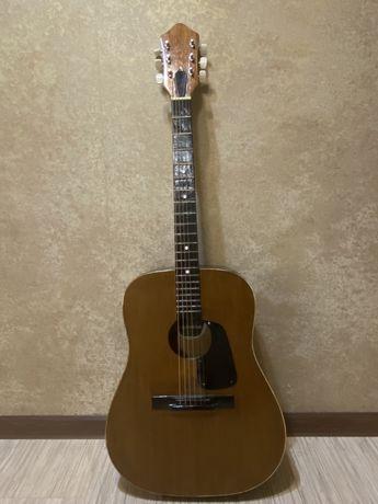 Продам гитару cremona