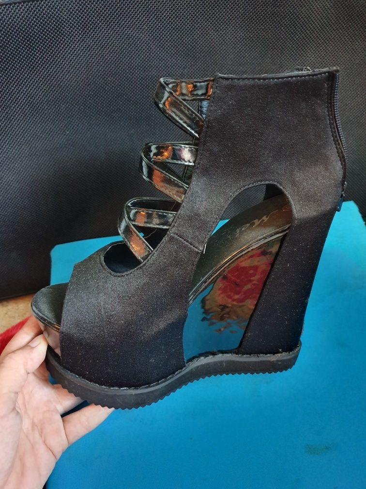 Sandale noi 38
