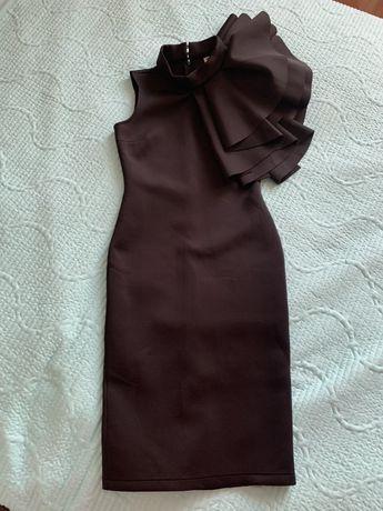 Женское черное эффектное платье