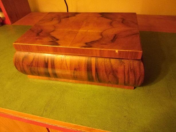 Caseta veche din lemn cu intarsie, lungime 24 cm