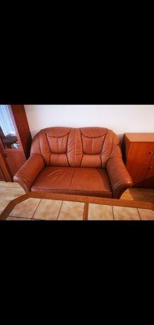 Canapea de piele maro , masă marmura si fotoliu