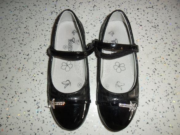 33 н черни обувки