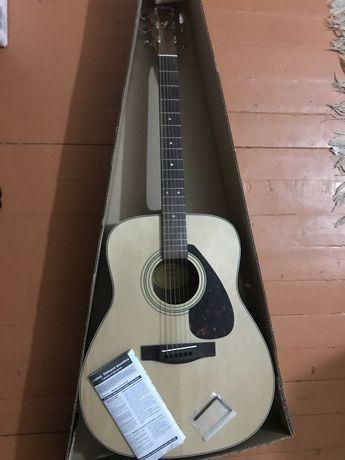 Продам гитару Yamaha F370
