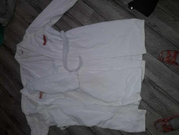 Продам халаты 52рр, пуховики женские ,р-р 44и 46, зимние