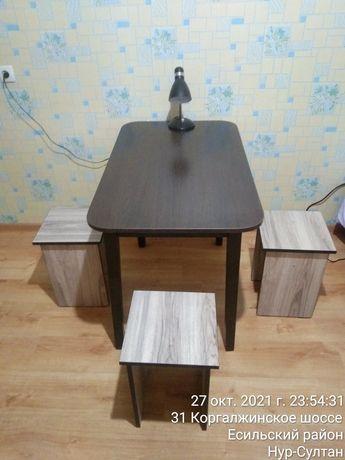Продам столик и стулья