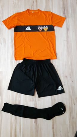 Футболен екип ръст 158см + футболни чорапи 38 - 40